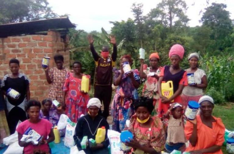 NPO法人エイズ孤児支援NGO・PLAS
